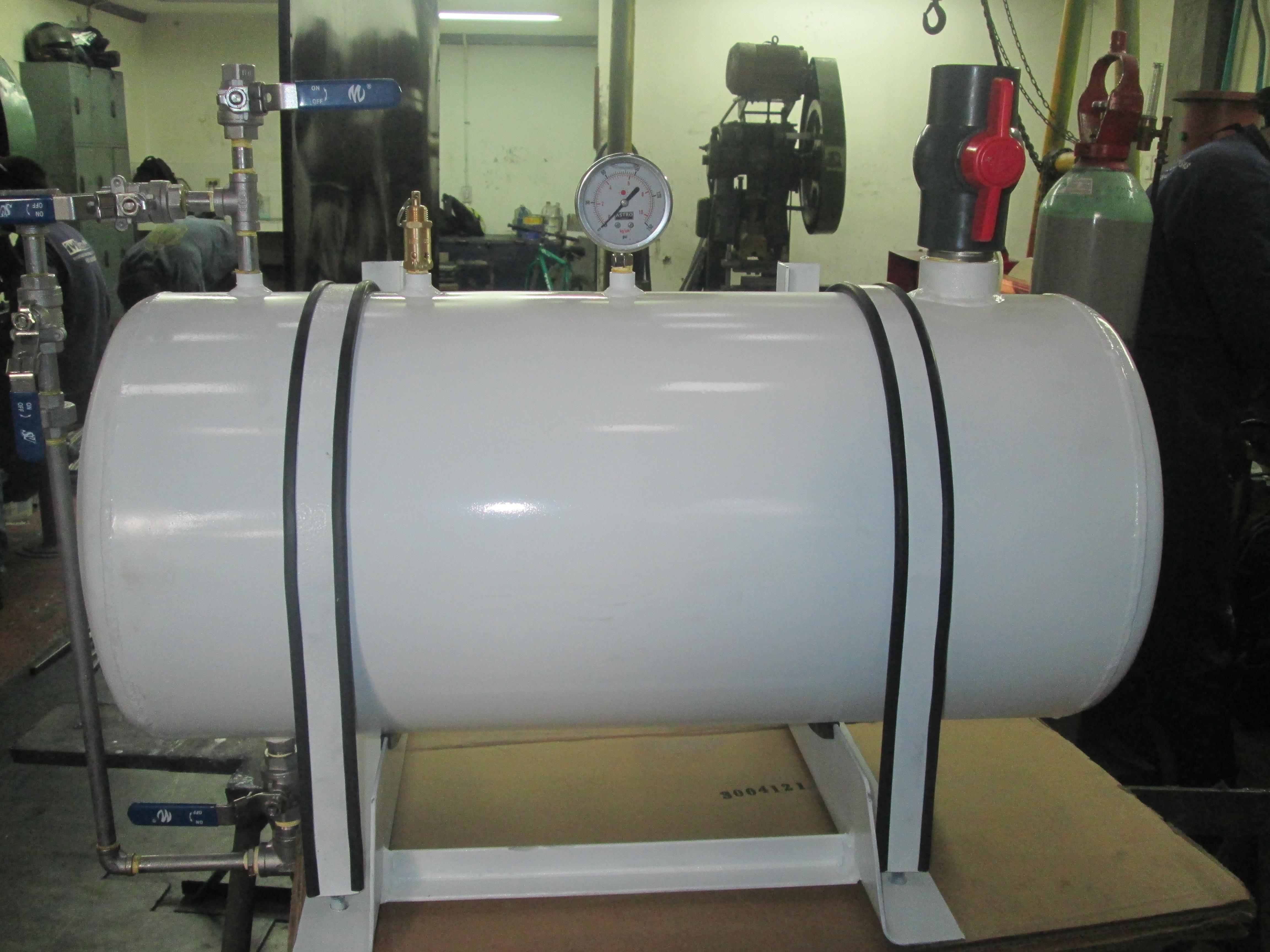 Tanque metálico almacenamiento aditivos