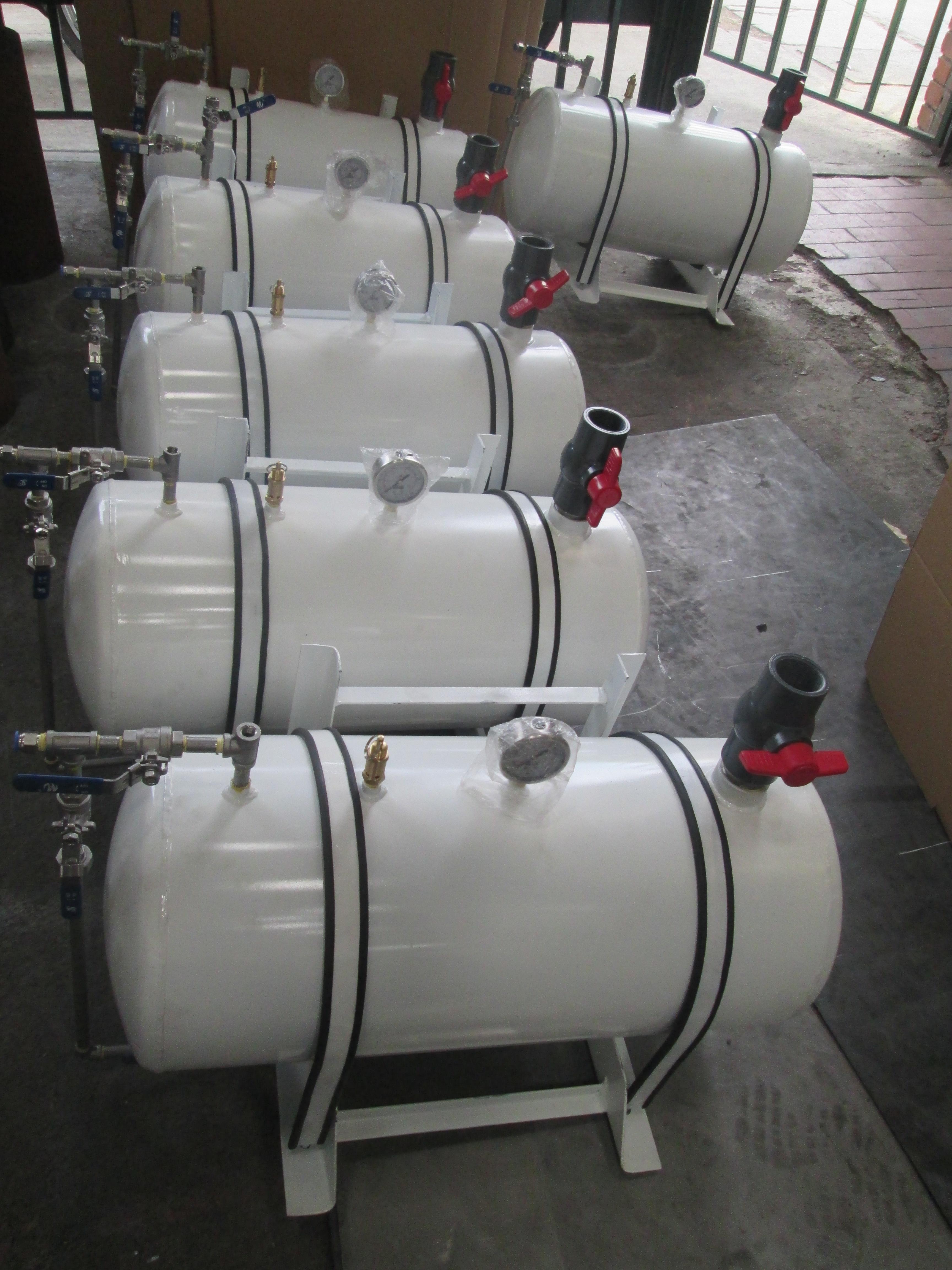 Tanque almacenamiento agua metálico